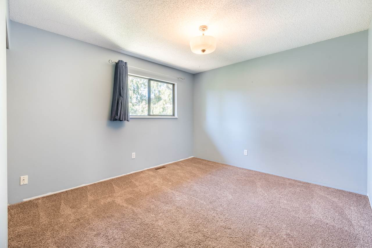 Detached at 2274 WILLOUGHBY COURT, Langley, British Columbia. Image 17