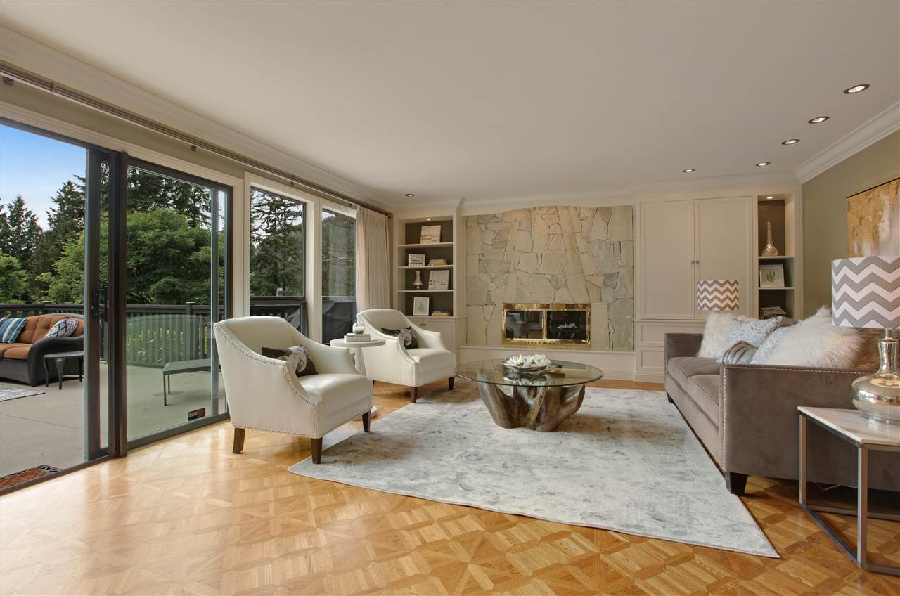 Detached at 5702 WESTPORT WYND, West Vancouver, British Columbia. Image 4