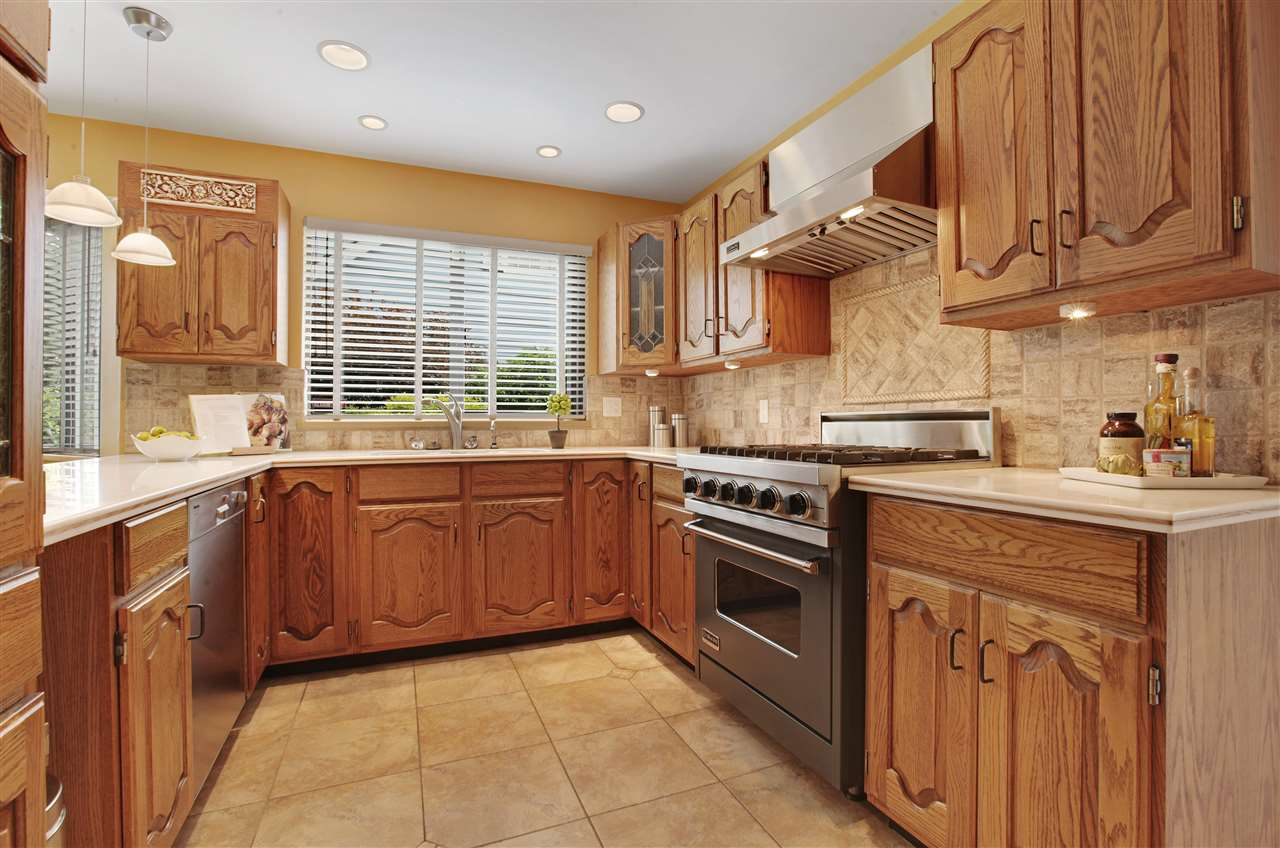 Detached at 5702 WESTPORT WYND, West Vancouver, British Columbia. Image 6
