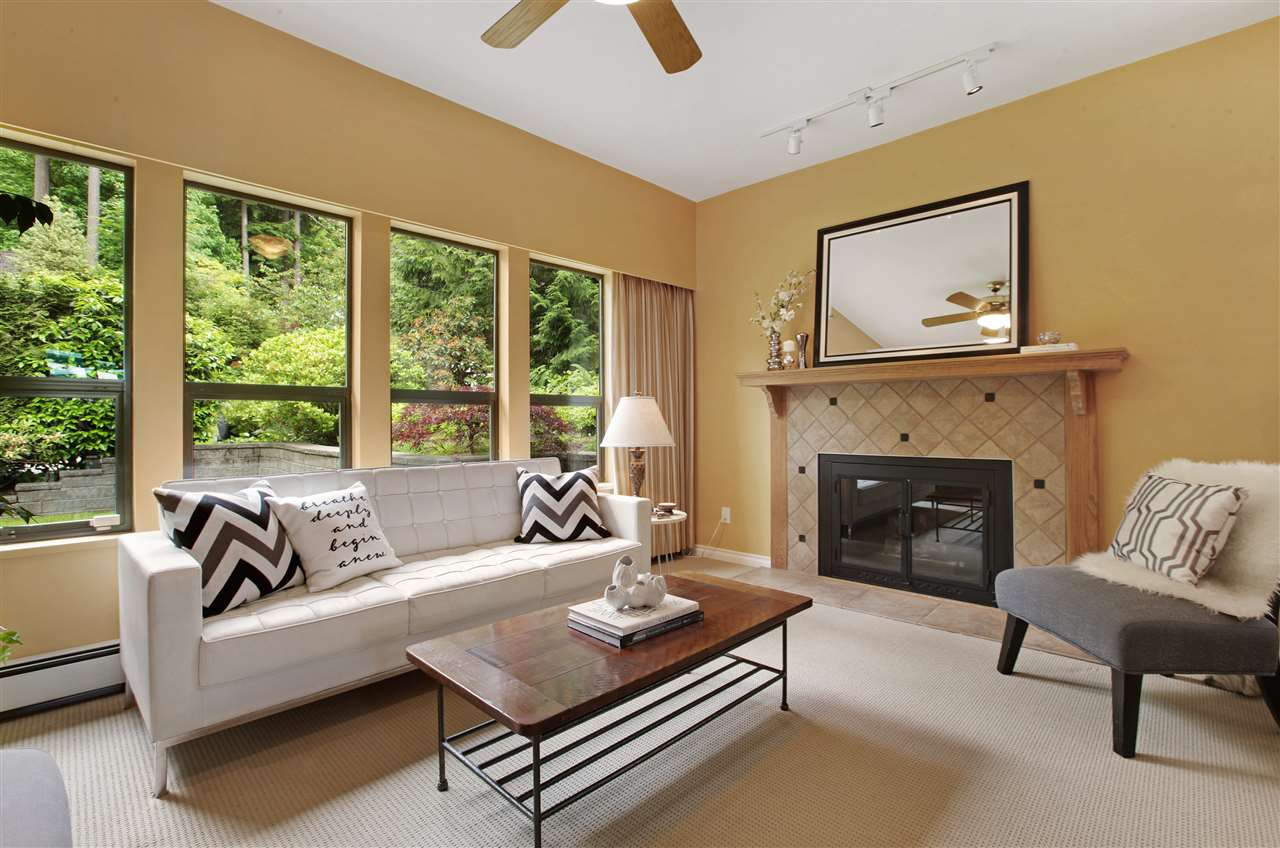 Detached at 5702 WESTPORT WYND, West Vancouver, British Columbia. Image 9