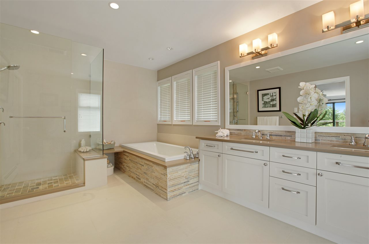 Detached at 5702 WESTPORT WYND, West Vancouver, British Columbia. Image 11
