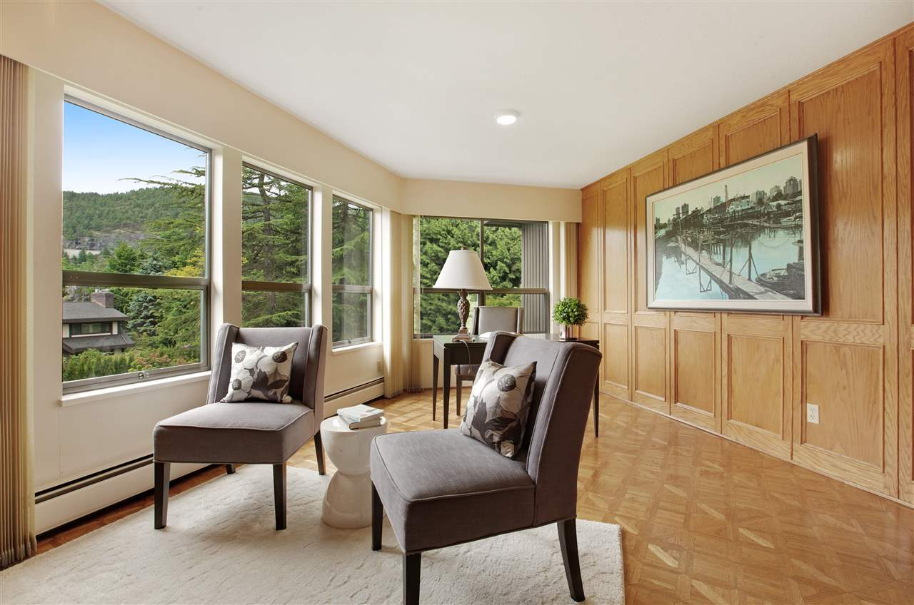 Detached at 5702 WESTPORT WYND, West Vancouver, British Columbia. Image 16