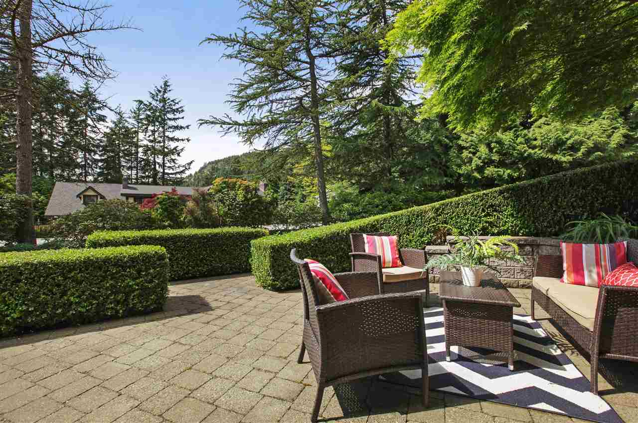 Detached at 5702 WESTPORT WYND, West Vancouver, British Columbia. Image 18