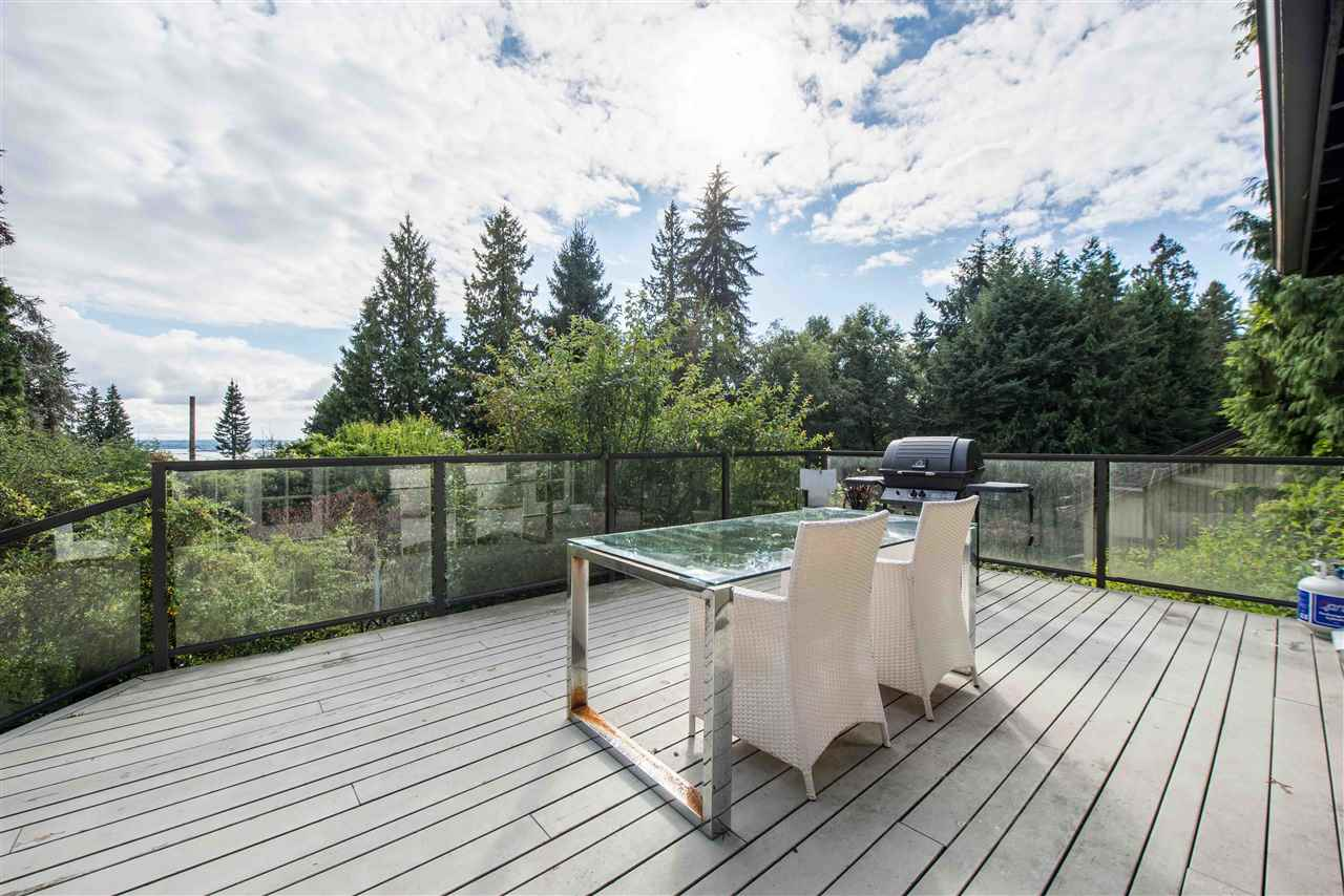 Detached at 2743 OTTAWA AVENUE, West Vancouver, British Columbia. Image 9