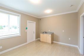 Half-duplex at 623 CLIFF AVENUE, Burnaby North, British Columbia. Image 17