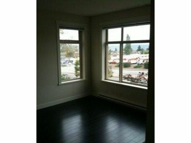 Condo Apartment at 114 13555 GATEWAY DRIVE, Unit 114, North Surrey, British Columbia. Image 3