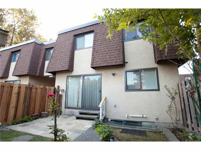 Townhouse at 837 OLD LILLOOET ROAD, North Vancouver, British Columbia. Image 9