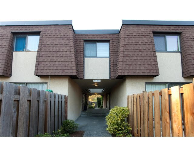 Townhouse at 837 OLD LILLOOET ROAD, North Vancouver, British Columbia. Image 10
