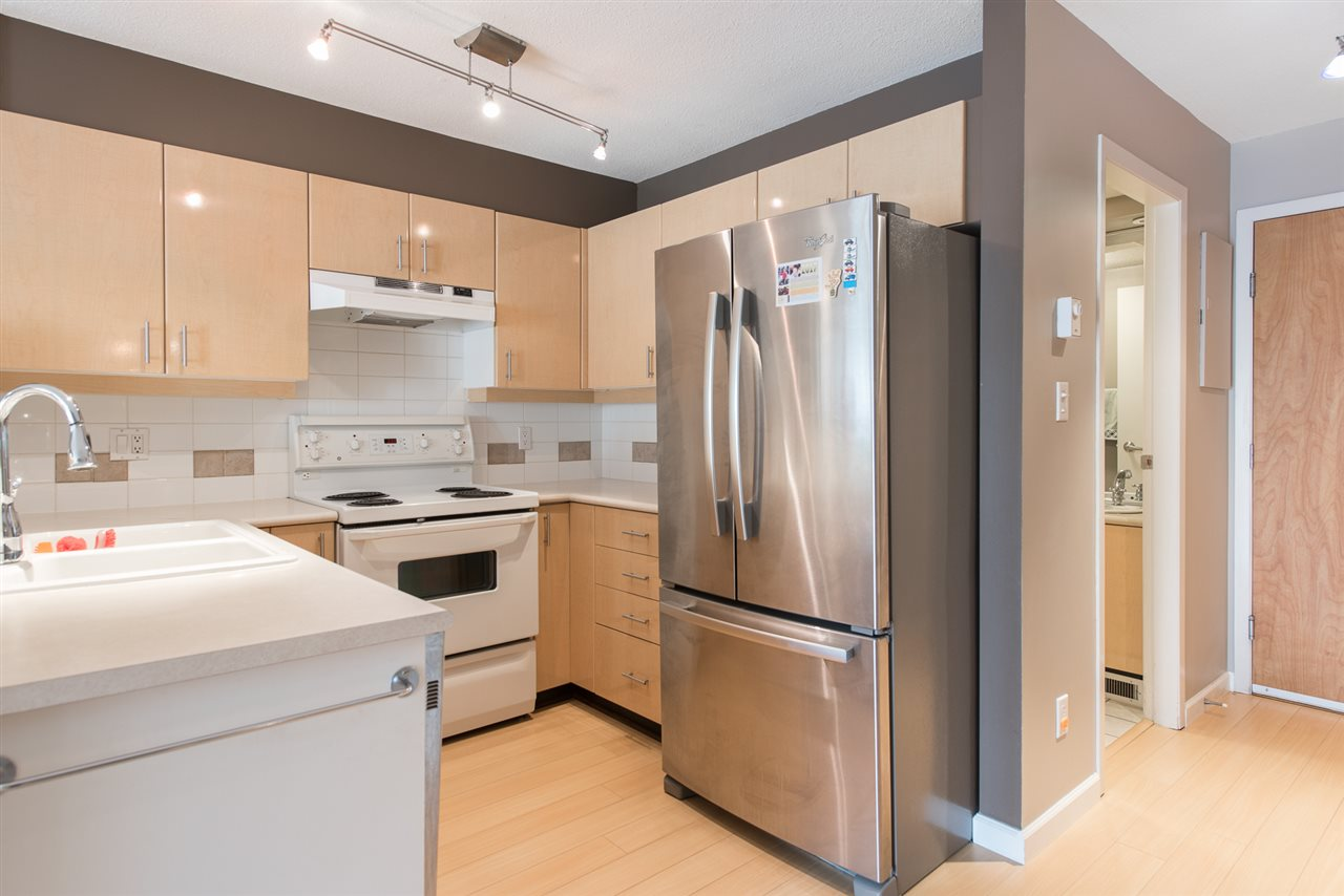 Condo Apartment at 328 2680 W 4TH AVENUE, Unit 328, Vancouver West, British Columbia. Image 4