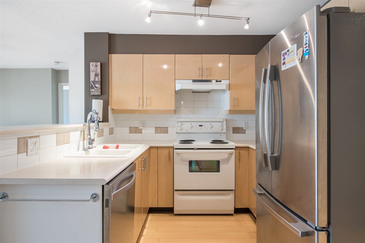 Condo Apartment at 328 2680 W 4TH AVENUE, Unit 328, Vancouver West, British Columbia. Image 5