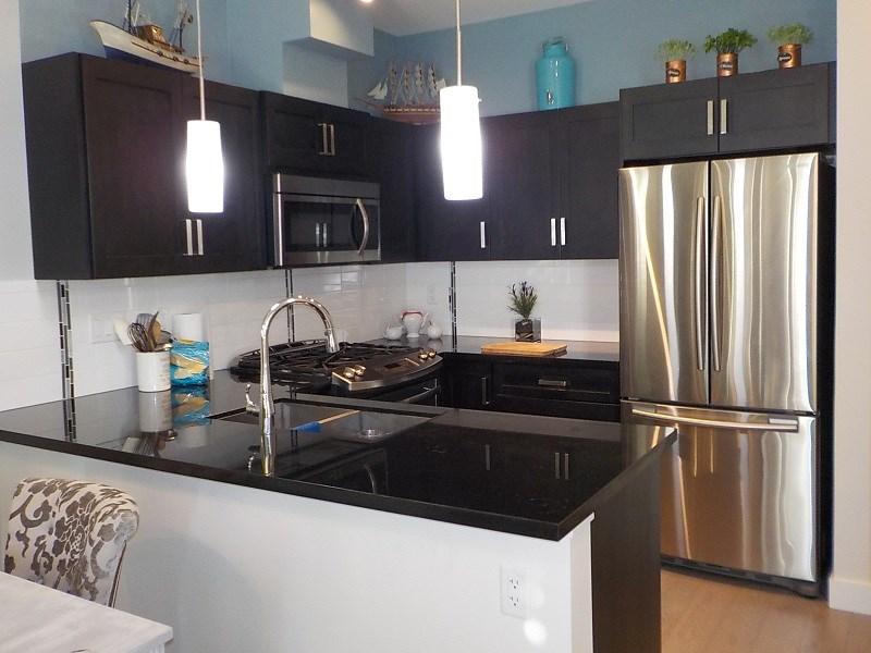Condo Apartment at 417 20078 FRASER HIGHWAY, Unit 417, Langley, British Columbia. Image 3