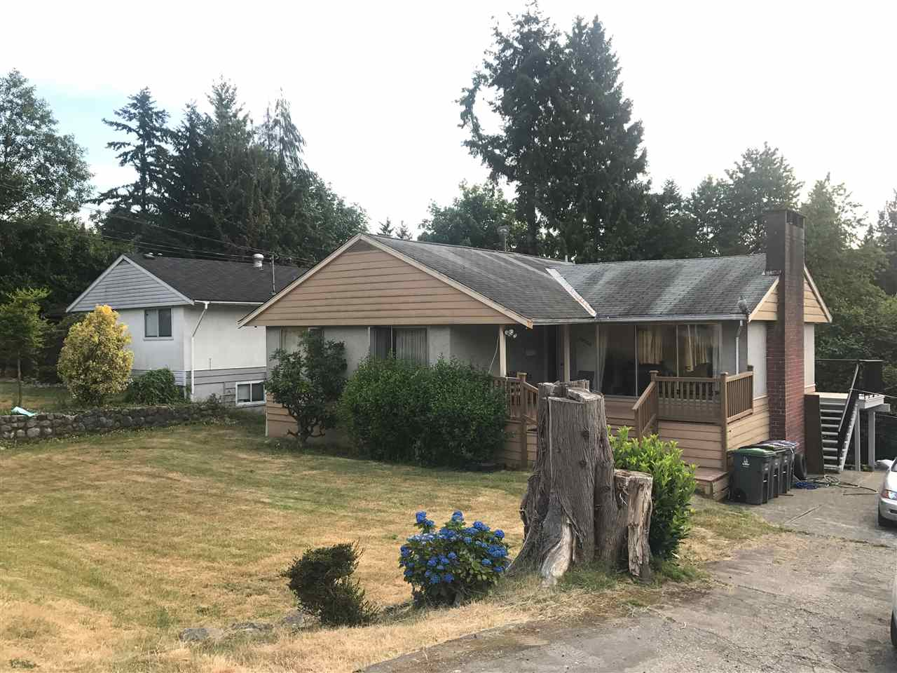 Detached at 10279 124 STREET, North Surrey, British Columbia. Image 1