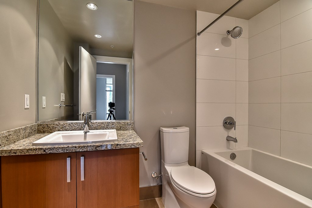 Condo Apartment at 2506 1155 THE HIGH STREET, Unit 2506, Coquitlam, British Columbia. Image 16