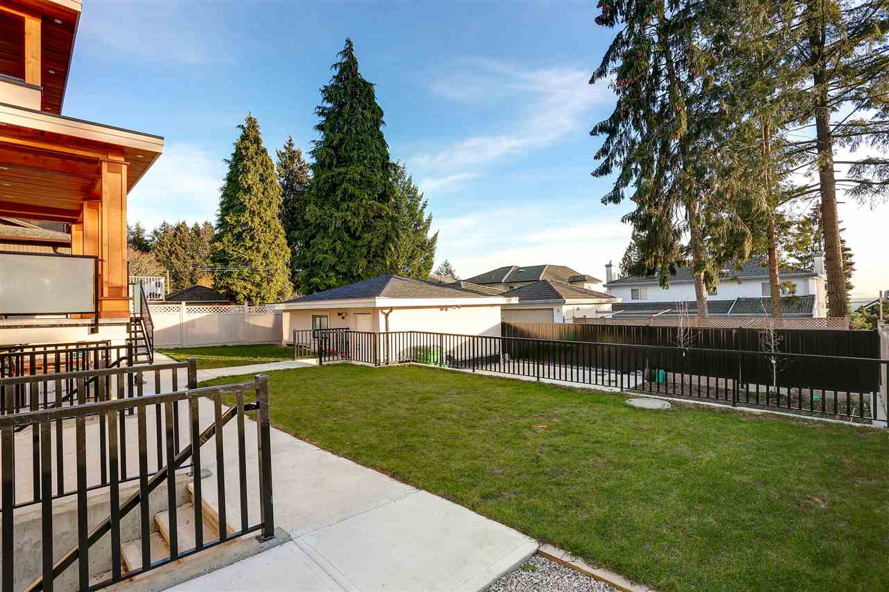 Detached at 6038 PORTLAND STREET, Burnaby South, British Columbia. Image 19