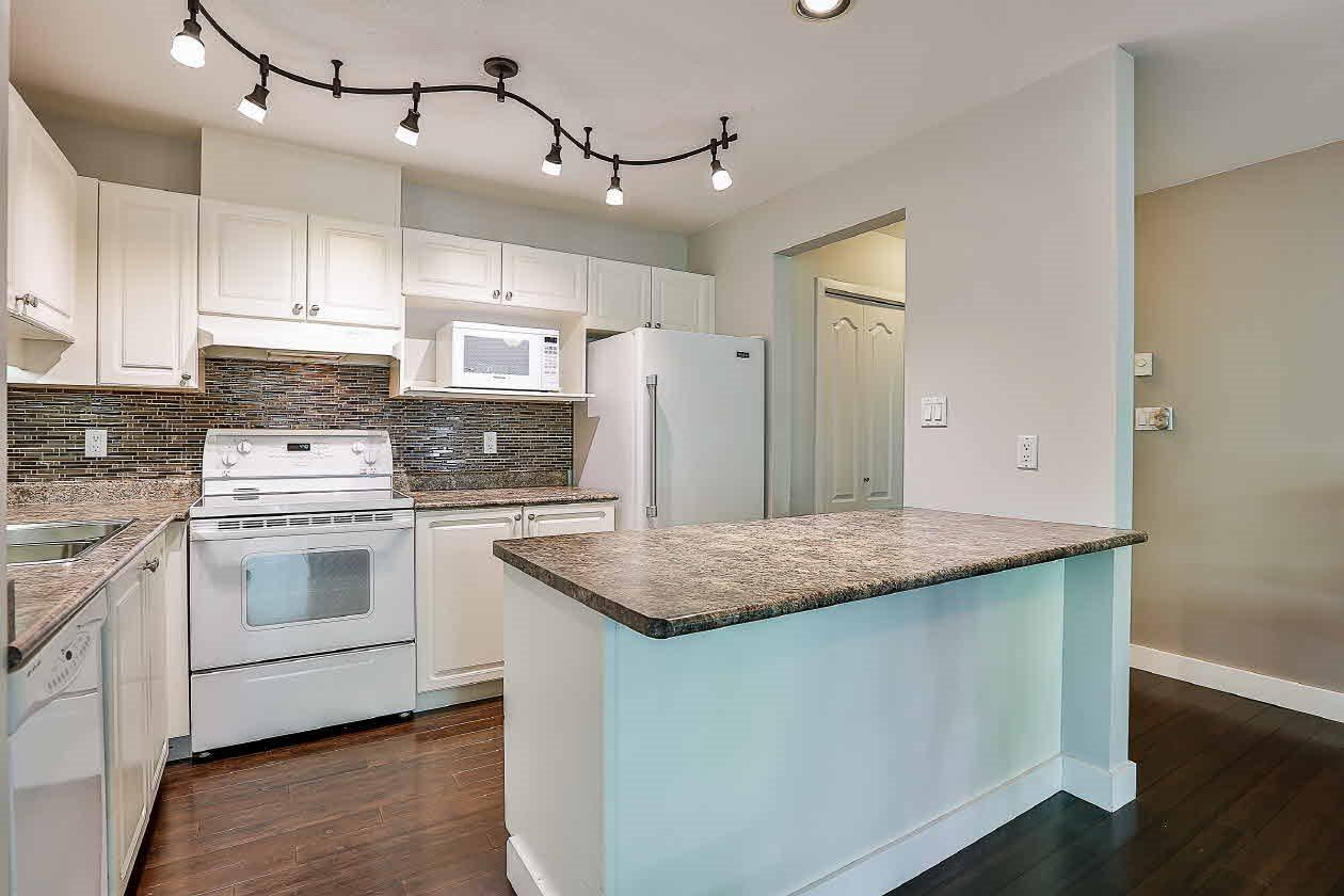 Condo Apartment at 210 2968 BURLINGTON DRIVE, Unit 210, Coquitlam, British Columbia. Image 7