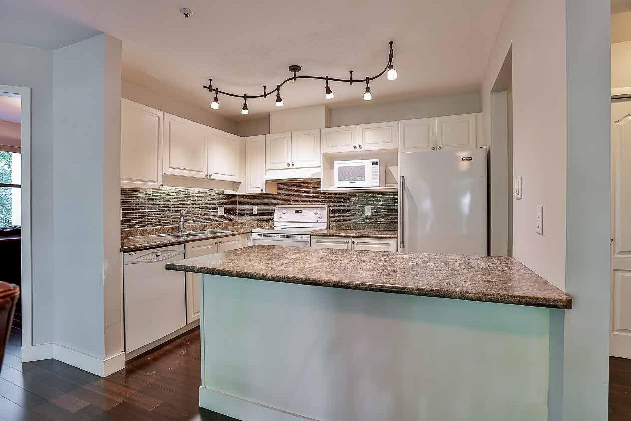Condo Apartment at 210 2968 BURLINGTON DRIVE, Unit 210, Coquitlam, British Columbia. Image 8