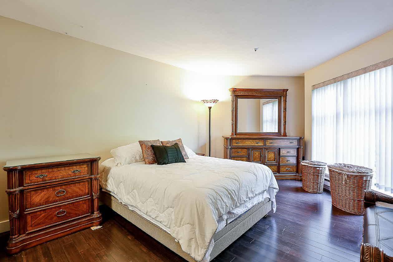 Condo Apartment at 210 2968 BURLINGTON DRIVE, Unit 210, Coquitlam, British Columbia. Image 11