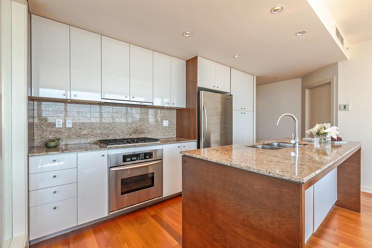 Condo Apartment at 1403 1005 BEACH AVENUE, Unit 1403, Vancouver West, British Columbia. Image 3