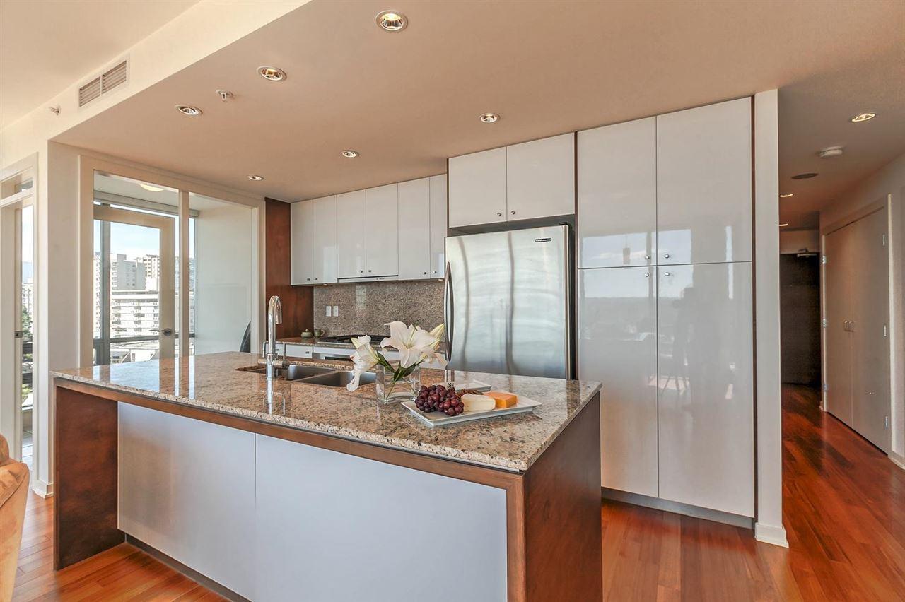 Condo Apartment at 1403 1005 BEACH AVENUE, Unit 1403, Vancouver West, British Columbia. Image 4