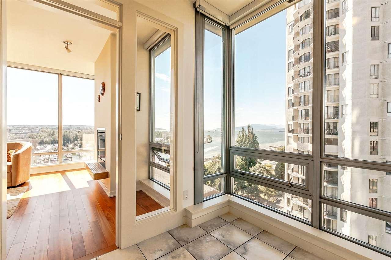 Condo Apartment at 1403 1005 BEACH AVENUE, Unit 1403, Vancouver West, British Columbia. Image 9