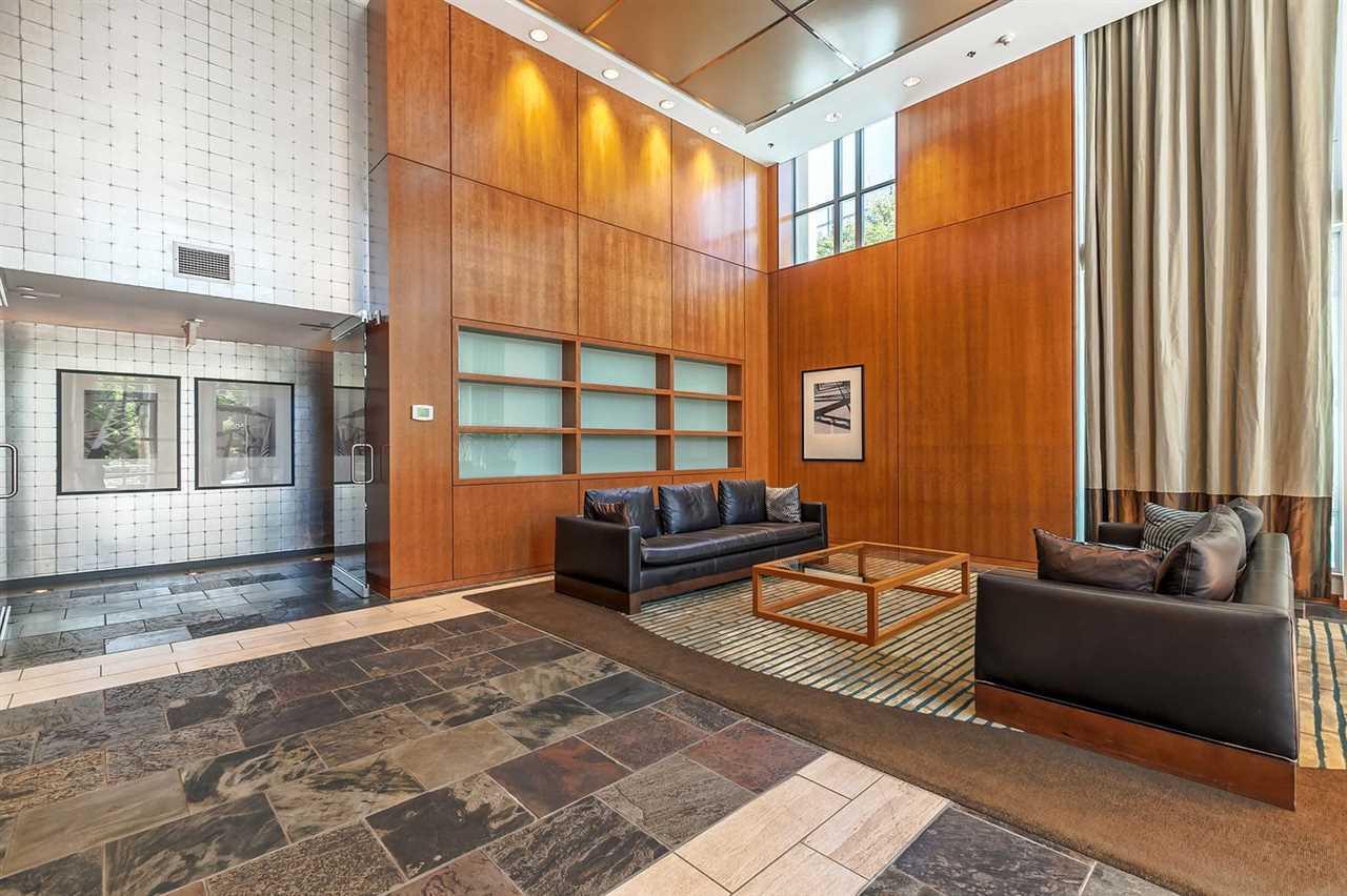 Condo Apartment at 1403 1005 BEACH AVENUE, Unit 1403, Vancouver West, British Columbia. Image 15