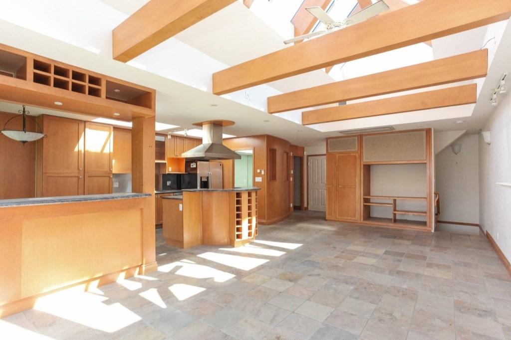 Condo Apartment at 302 5650 OAK STREET, Unit 302, Vancouver West, British Columbia. Image 4