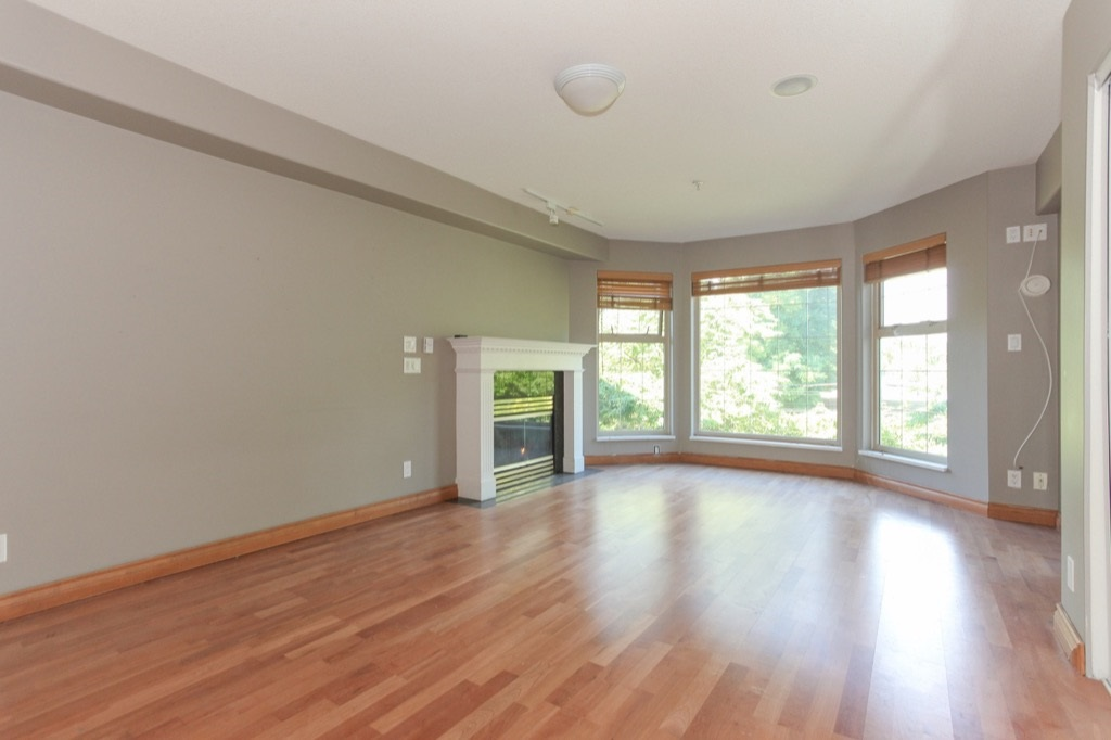 Condo Apartment at 302 5650 OAK STREET, Unit 302, Vancouver West, British Columbia. Image 11