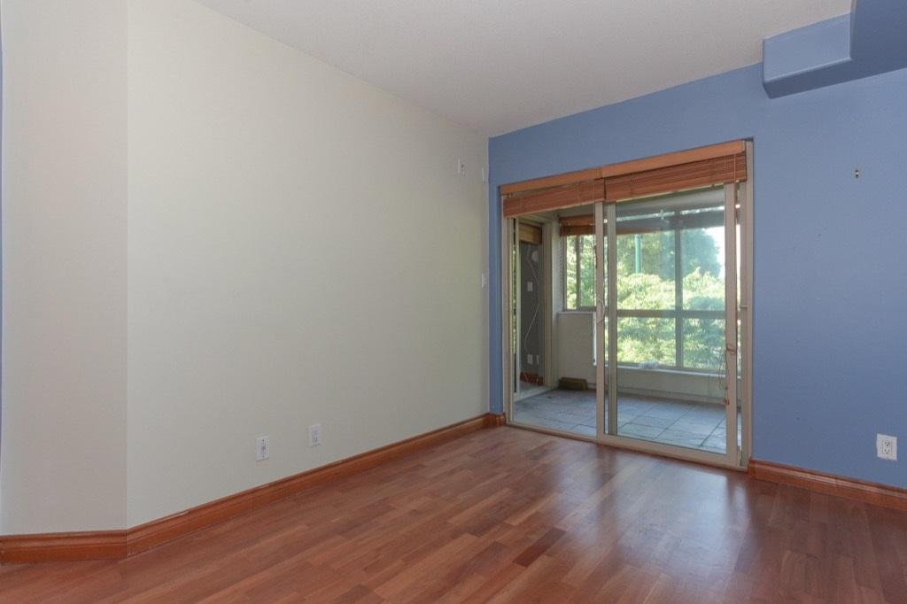 Condo Apartment at 302 5650 OAK STREET, Unit 302, Vancouver West, British Columbia. Image 14