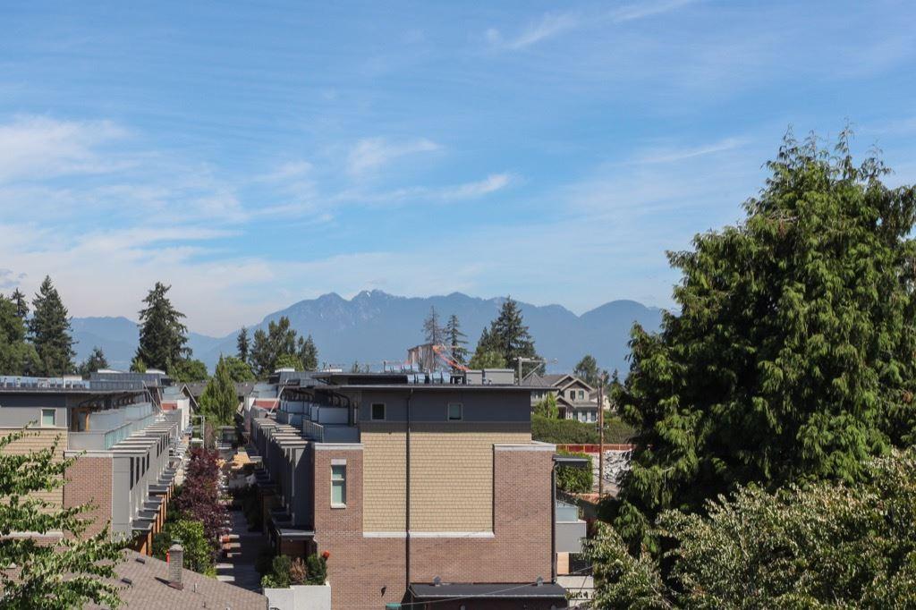 Condo Apartment at 302 5650 OAK STREET, Unit 302, Vancouver West, British Columbia. Image 20