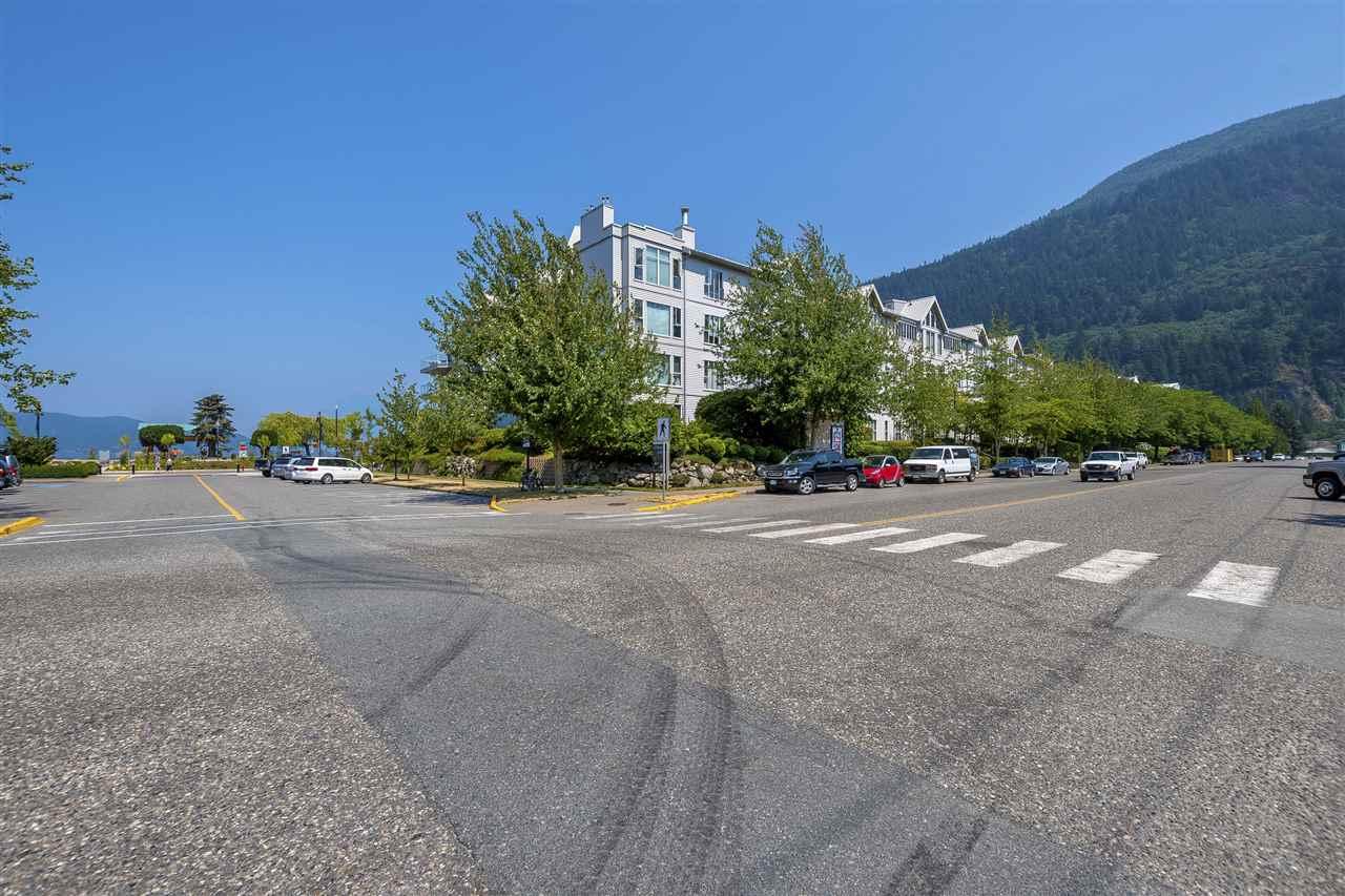 Condo Apartment at 112 328 ESPLANADE AVENUE, Unit 112, Harrison Hot Springs, British Columbia. Image 3