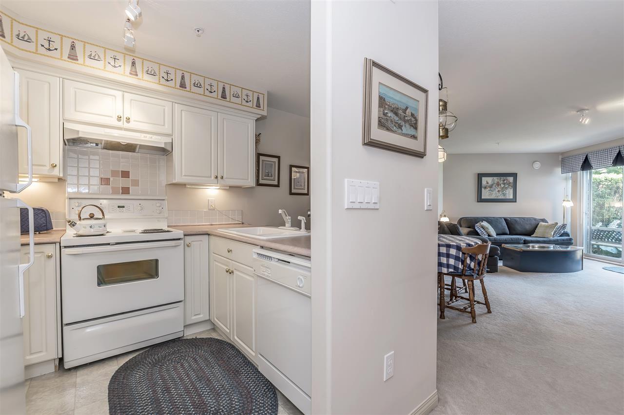 Condo Apartment at 112 328 ESPLANADE AVENUE, Unit 112, Harrison Hot Springs, British Columbia. Image 4