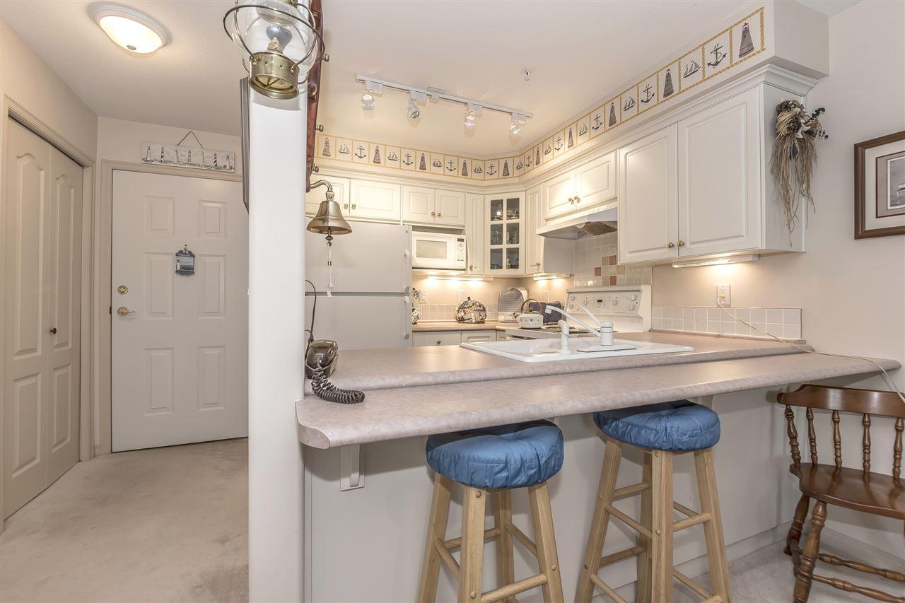 Condo Apartment at 112 328 ESPLANADE AVENUE, Unit 112, Harrison Hot Springs, British Columbia. Image 7
