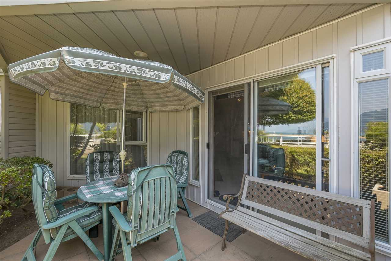 Condo Apartment at 112 328 ESPLANADE AVENUE, Unit 112, Harrison Hot Springs, British Columbia. Image 16