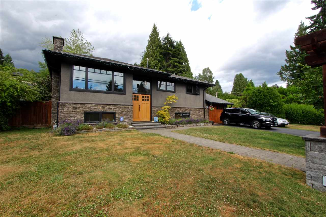 Detached at 444 EVERGREEN PLACE, North Vancouver, British Columbia. Image 1