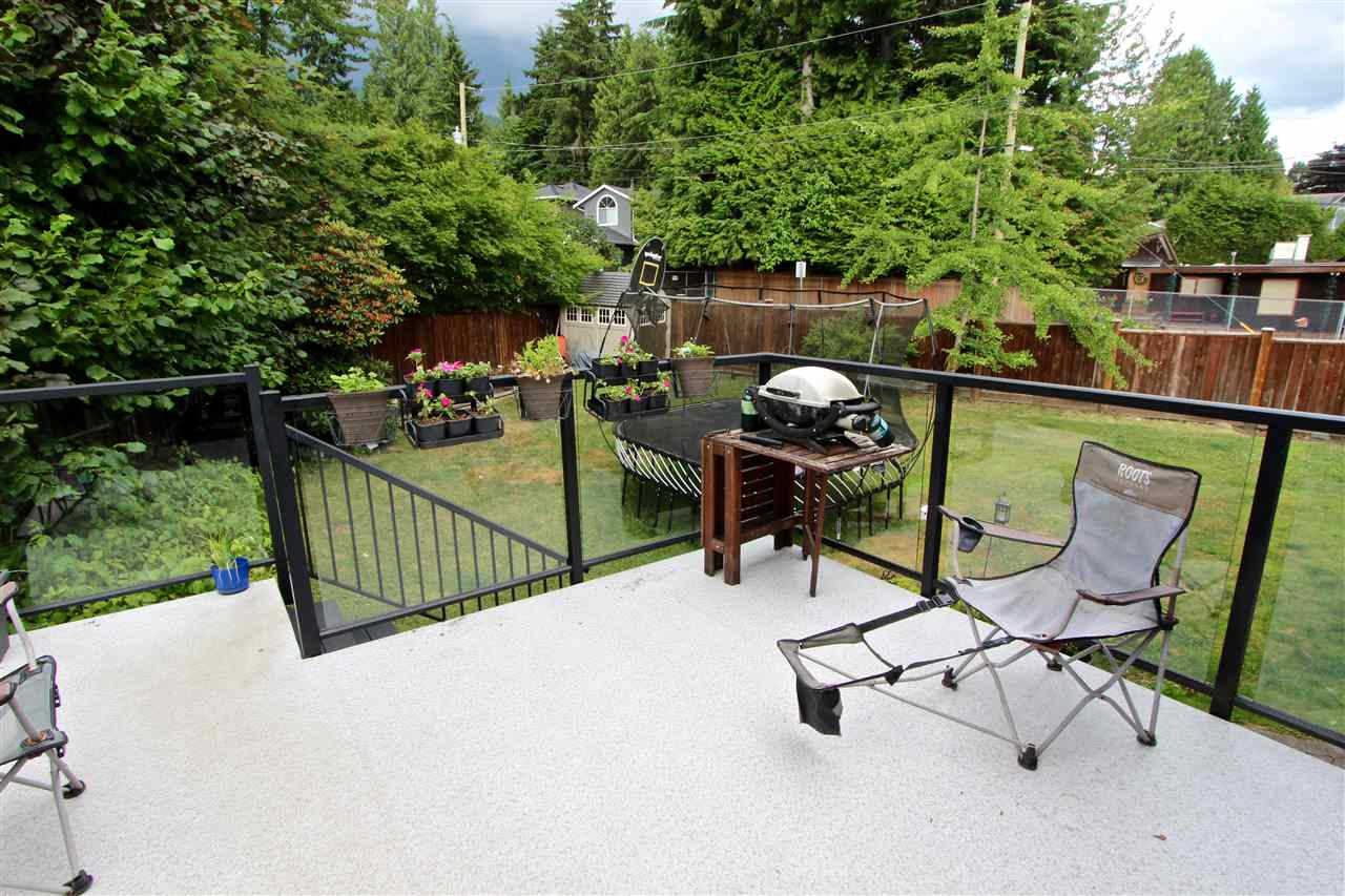 Detached at 444 EVERGREEN PLACE, North Vancouver, British Columbia. Image 15