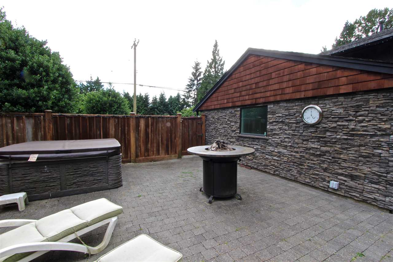 Detached at 444 EVERGREEN PLACE, North Vancouver, British Columbia. Image 18