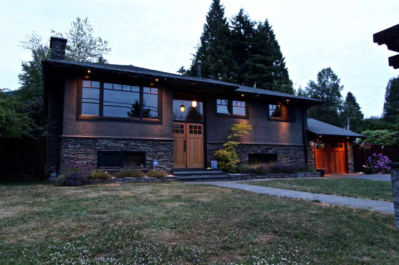 Detached at 444 EVERGREEN PLACE, North Vancouver, British Columbia. Image 20