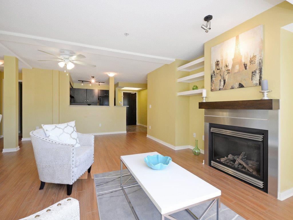 Condo Apartment at 215 10866 CITY PARKWAY, Unit 215, North Surrey, British Columbia. Image 5
