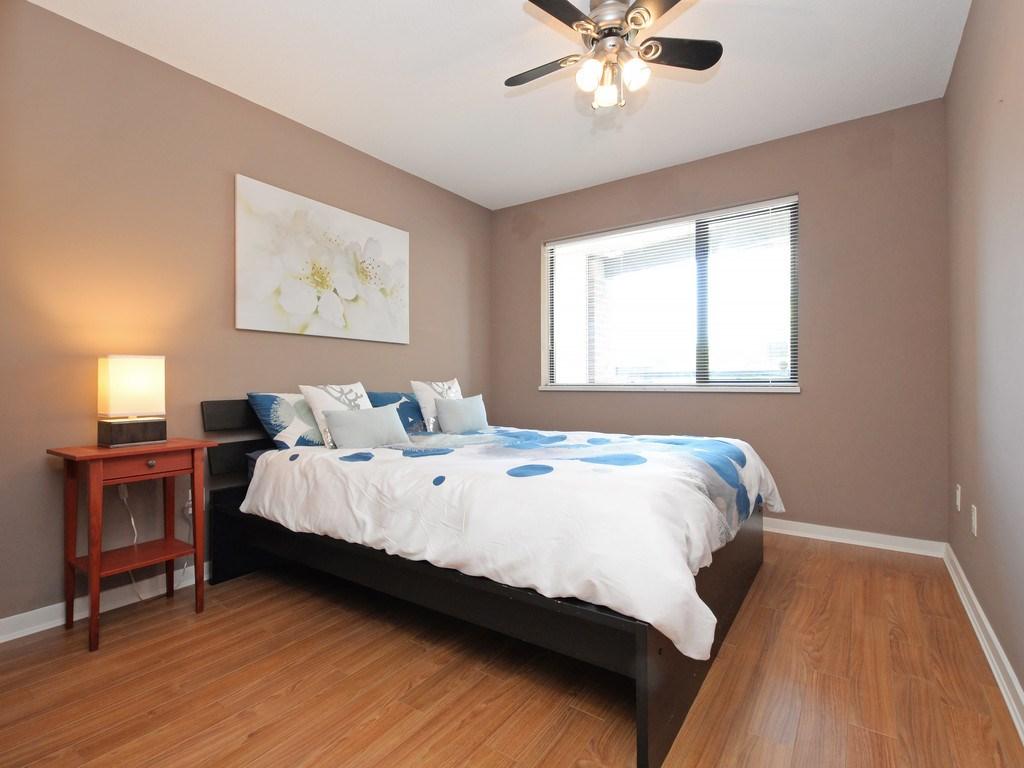 Condo Apartment at 215 10866 CITY PARKWAY, Unit 215, North Surrey, British Columbia. Image 9