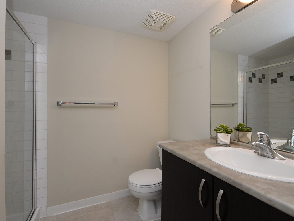 Condo Apartment at 215 10866 CITY PARKWAY, Unit 215, North Surrey, British Columbia. Image 13