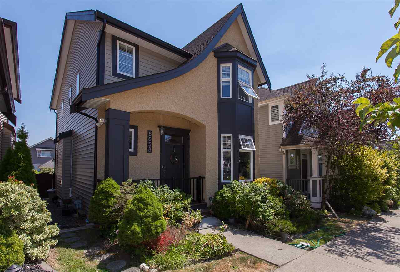 Detached at 6658 192A STREET, Cloverdale, British Columbia. Image 1