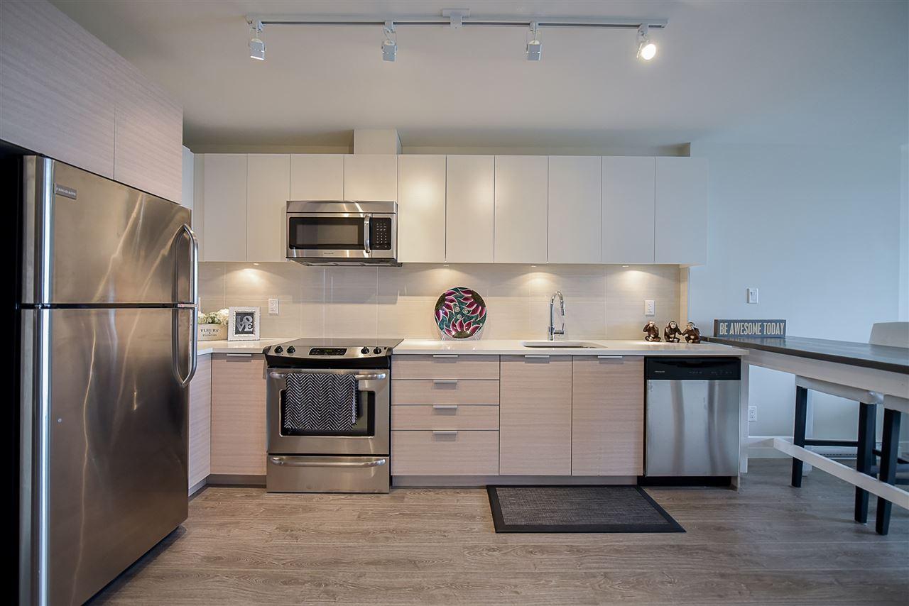 Condo Apartment at 2502 13303 103A AVENUE, Unit 2502, North Surrey, British Columbia. Image 4
