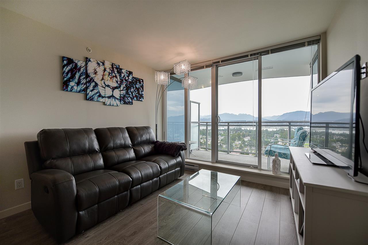 Condo Apartment at 2502 13303 103A AVENUE, Unit 2502, North Surrey, British Columbia. Image 5