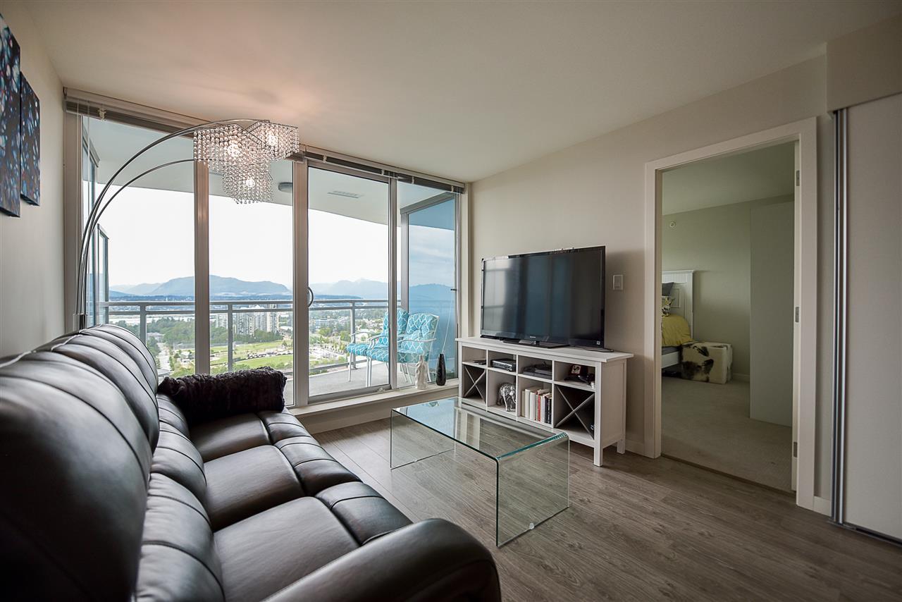 Condo Apartment at 2502 13303 103A AVENUE, Unit 2502, North Surrey, British Columbia. Image 6