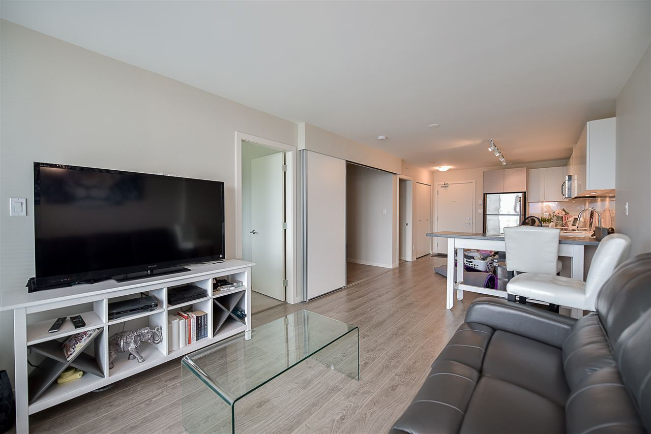 Condo Apartment at 2502 13303 103A AVENUE, Unit 2502, North Surrey, British Columbia. Image 7