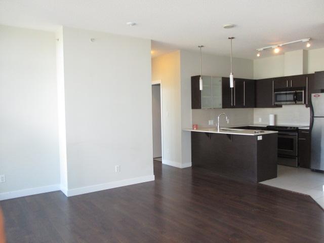 Condo Apartment at 702 13399 104TH STREET, Unit 702, North Surrey, British Columbia. Image 3