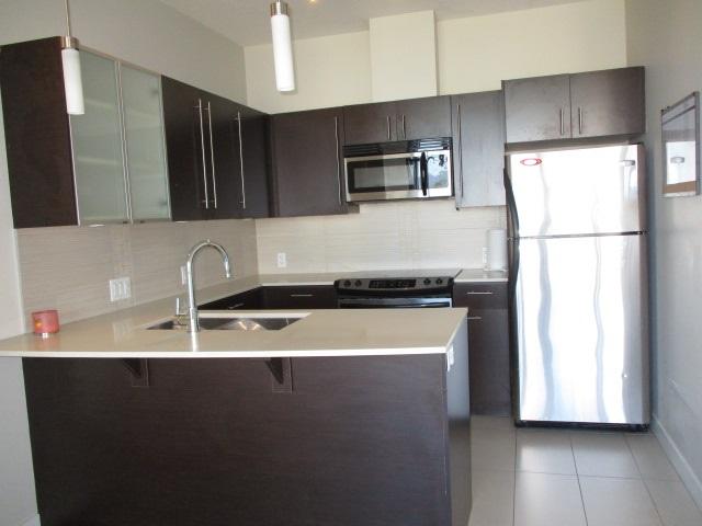 Condo Apartment at 702 13399 104TH STREET, Unit 702, North Surrey, British Columbia. Image 4