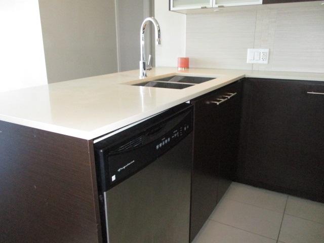Condo Apartment at 702 13399 104TH STREET, Unit 702, North Surrey, British Columbia. Image 5