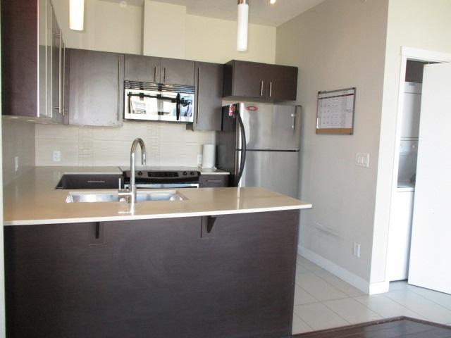 Condo Apartment at 702 13399 104TH STREET, Unit 702, North Surrey, British Columbia. Image 6