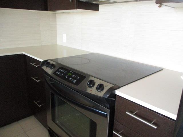 Condo Apartment at 702 13399 104TH STREET, Unit 702, North Surrey, British Columbia. Image 7